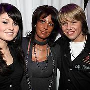 NLD/Uitgeest/20080116 - Uitreiking Popularitiets award Noord Holland 2008, Roxanne en Dre Hazes en moeder Rachel van Galen