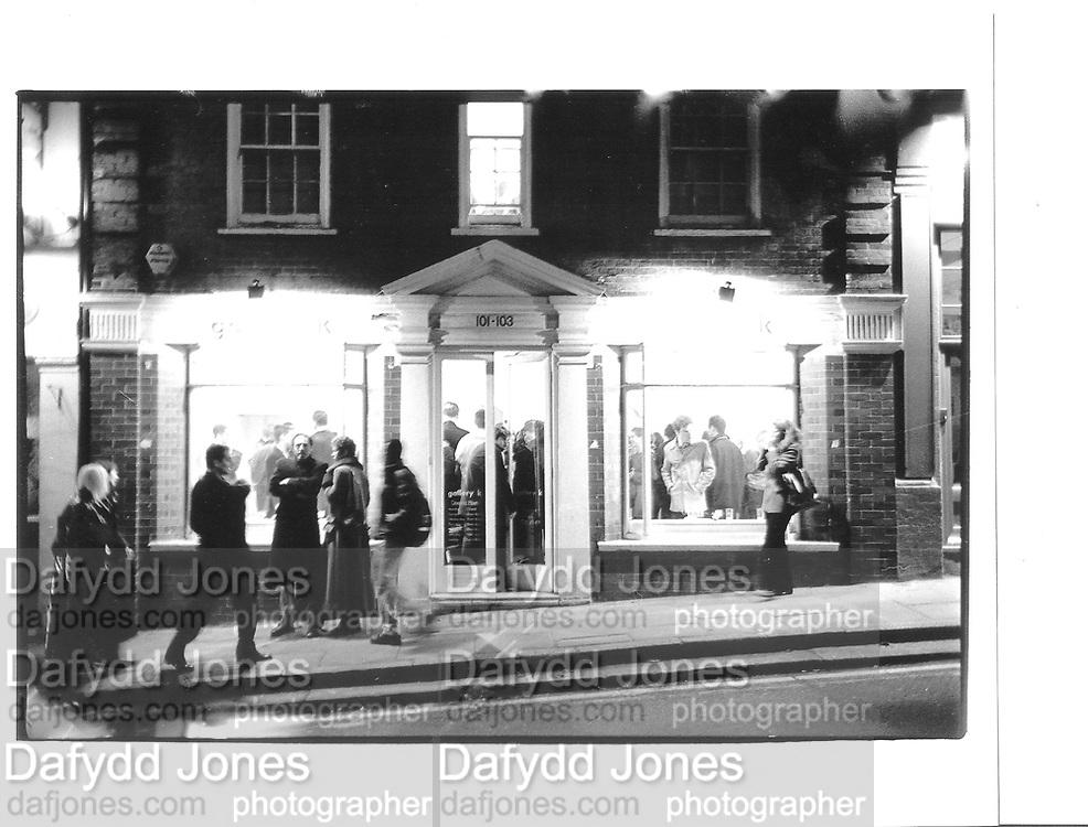 Kiss 5. Mixed Show of 39 artists, Gallery K. Heath St. Hampstead, 14th Feb 1997© Copyright Photograph by Dafydd Jones 66 Stockwell Park Rd. London SW9 0DA Tel 020 7733 0108 www.dafjones.com