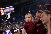 selfie Daniele De Rossi e Francesco Totti Roma.<br /> Roma 31-05-2015 Stadio Olimpico. Football Calcio 2014/2015 Serie A. AS Roma - Palermo. Foto Antonietta Baldassarre / Insidefoto