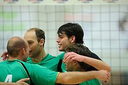 27-10-2012 VOLLEYBAL: VV ALTERNO - E DIFFERENCE SSS: APELDOORN<br /> Eerste divisie A mannen - Alterno wint met 4-0 van SSS / Wouter Langendijk<br /> ©2012-FotoHoogendoorn.nl