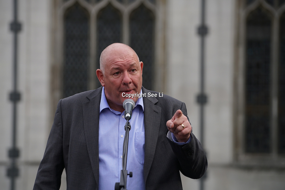 London,England,UK : 27th June 2016 : Speaker Dave Ward CWU addresses the crowd KeepCorbyn protest against coup and Build our movement  at Parliament Square, London,UK. photo by See Li
