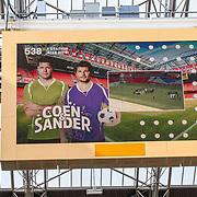 NLD/Amsterdam/20180503- Coen en Sander Live vanuit Johan Cruijff Arena, groot bord hangend in arena