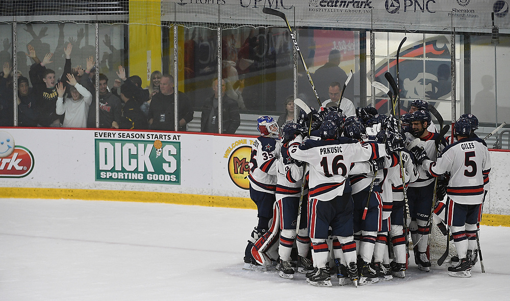 PITTSBURGH, PA - OCTOBER 12: The Robert Morris Colonials celebrate after defeating the Bowling Green Falcons 3-2 at the Colonials Arena on October 12, 2018 in Pittsburgh, Pennsylvania. (Photo by Justin Berl/RMU Athletics)