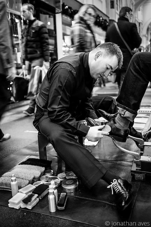 Traditional Shoe Shining in London.