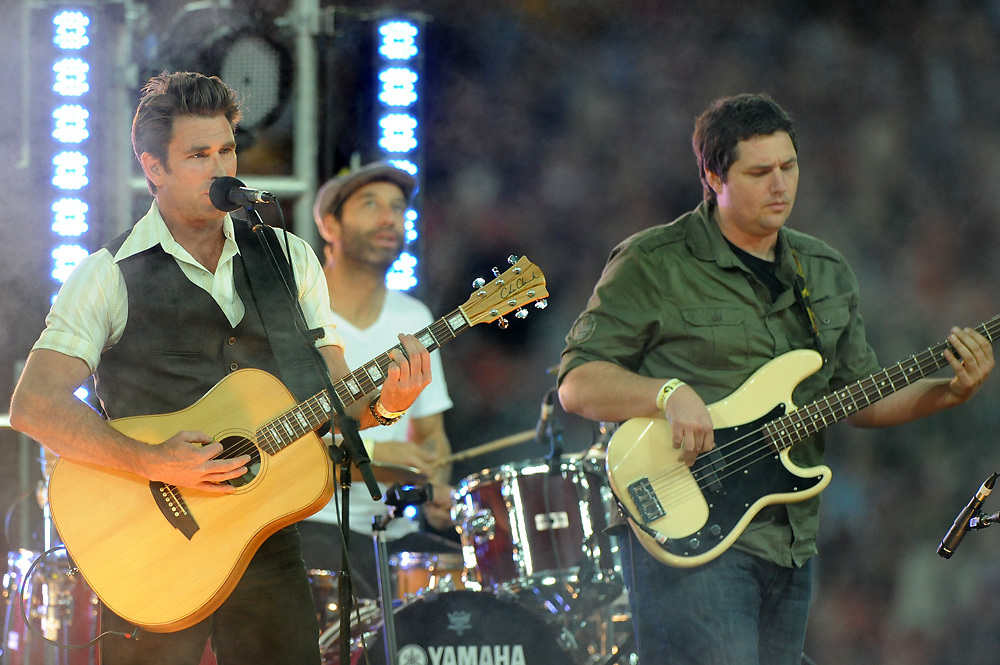July 6th 2011: Singer, Pete Murray preforms before game 3 of the 2011 State of Origin series at Suncorp Stadium in Brisbane, QLD, Australia on July 6, 2011. Photo by Matt Roberts / mattrimages.com.au / QRL