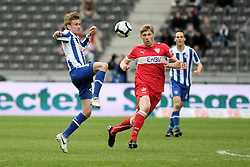 10.04.2010, Olympiastadion Berlin, GER, 1.FBL, Hertha BSC Berlin vs VfB Stuttgart im Bild Fabian Lustenberger (Hertha BSC Berlin #28) und Pavel Pogrebnyak (VfB Stuttgart #29)   EXPA Pictures © 2010, PhotoCredit: EXPA/ nph/  Hammes / SPORTIDA PHOTO AGENCY