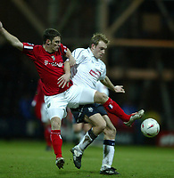 Fotball<br /> FA Cup England 2004/2005<br /> 3. runde<br /> 08.01.2005<br /> Foto: SBI/Digitalsport<br /> NORWAY ONLY<br /> <br /> Preston NE v West Bromwich Albion<br /> <br /> Preston's Chris Sedgwick battles with West Bromwich Albion's Jason Koumas