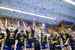 11.05.2013, BSFZ Suedstadt, Maria Enzersdorf, AUT, EHF, Cup der Cupsieger, Damen, Finale, Hypo Niederoesterreich vs Issy Paris Hand, im Bild die Spielerinnen von Hypo Niederoesterreich// during the Final match of the EHF Women's Cup Winners' Cup between Hypo Niederoesterreich and Issy Paris Hand at the BSFZ Suedstadt, Maria Enzersdorf, Austria on 2013/11/05. EXPA Pictures © 2013, PhotoCredit: EXPA/ Sebastian Pucher