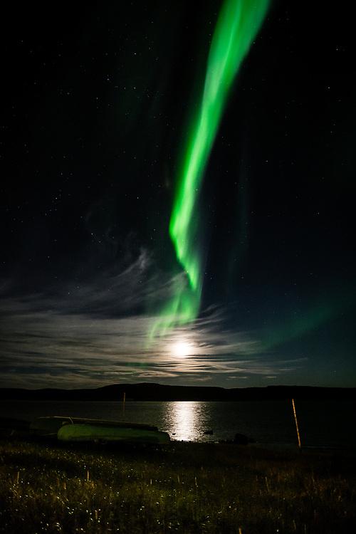 Full moon and aurora, September 19, 2016.
