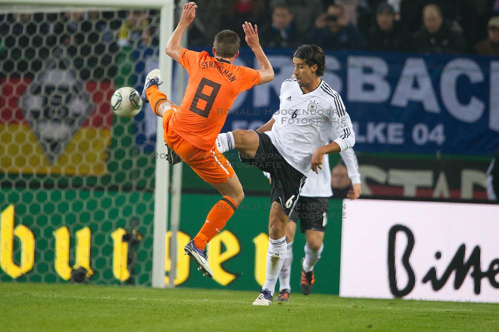 15-11-2011 VOETBAL: DUITSLAND - NEDERLAND: HAMBURG<br /> (L-R) Kevin Strootman, Sami Khedira <br /> ***NETHERLANDS ONLY***<br /> ©2011-FRH- NPH/Kokenge