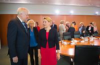 DEU, Deutschland, Germany, Berlin, 10.07.2019: Bundesinnenminister Horst Seehofer (CSU) und Bundesfamilienministerin Dr. Franziska Giffey (SPD) vor Beginn der 60. Kabinettsitzung im Bundeskanzleramt.