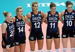 01-10-2014 ITA: World Championship Volleyball Servie - Nederland, Verona<br /> Nederland verliest met 3-0 van Servie en is kansloos voor plaatsing final 6 / Quirine Oosterveld, Laura Dijkema, Manon Flier, Anne Buijs, Lonneke Sloetjes