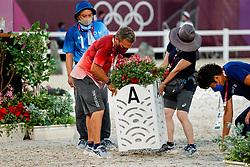 TOKYO - Olympische Spiele / Olympic Games 2021<br /> <br /> Helfer<br /> Grand Prix de Dressage<br /> <br /> Tokio, Equestrian Park<br /> 25. July 2021<br /> © www.sportfotos-lafrentz.de/Stefan Lafrentz