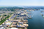 Nederland, Noord-Holland, Amsterdam, 29-06-2018; Amsterdam-Noord, Tuindorp Oostzaan. NDSM-werf, westelijk deel met droogdokken voor scheepsreparatie op de scheepswerf van Shipdock B.V., Damen Shiprepair Amsterdam. Terrein oorspronkelijk van ADM (Amsterdamse Droogdok Maatschappij) of NDM (Nederlandse Dok Maatschappij). Stadsontwikkelinggebied.<br /> Amsterdam-North, dry docks for ship repair at the shipyard Shipdoc.<br /> luchtfoto (toeslag op standard tarieven);<br /> aerial photo (additional fee required);<br /> copyright foto/photo Siebe Swart