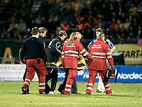 Fotball <br /> Herrer<br /> Tippeligaen<br /> Start - Molde ( 3 - 2 )<br /> Kristiansand stadion<br /> 01.10.06<br /> Foto: Tomas Rolland, Digitalsport <br /> <br /> David Nielsen - Start - bæres av banen etter skade