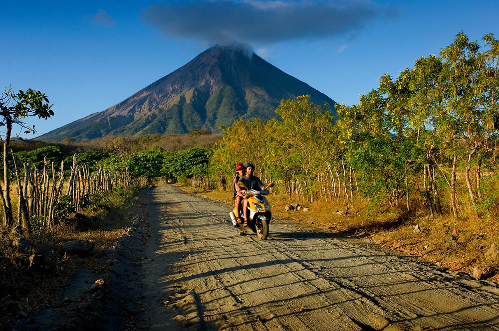 Nicaragua / Isla de Ometepe / Concepcion Volcano / Tourists