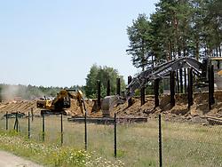 Abriss der Betonmauer um das Erkundungsbergwerk in Gorleben.<br /> <br /> Ort: Gorleben<br /> Copyright: Torben Klages<br /> Quelle: PubliXviewinG