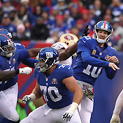 Quarterback Eli Manning, New York Giants, in action during the New York Giants V San Francisco 49ers, NFL American Football match at MetLife Stadium, East Rutherford, NJ, USA. 16th November 2014. Photo Tim Clayton