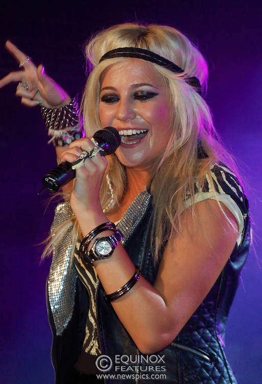 London, United Kingdom - 6 September 2009.Singer Pixie Lott performing at G-A-Y club, London, England, UK on 6 September 2009..(photo by: EDWARD HIRST/EQUINOXFEATURES.COM).Picture Data:.Photographer: EDWARD HIRST.Copyright: ©2009 Equinox Licensing Ltd. +448700 780000.Contact: Equinox Features.Date Taken: 20090906.Time Taken: 020000+0000.www.newspics.com