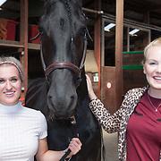 NLD/Houten/20180630 - PaardenpraatTV Fandag 2018, Britt dekker met haar paard Vito en Esra de Ruiter
