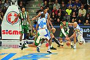 DESCRIZIONE : Campionato 2014/15 Dinamo Banco di Sardegna Sassari - Sidigas Scandone Avellino<br /> GIOCATORE : David Logan<br /> CATEGORIA : Palla Contesa<br /> SQUADRA : Dinamo Banco di Sardegna Sassari<br /> EVENTO : LegaBasket Serie A Beko 2014/2015<br /> GARA : Dinamo Banco di Sardegna Sassari - Sidigas Scandone Avellino<br /> DATA : 24/11/2014<br /> SPORT : Pallacanestro <br /> AUTORE : Agenzia Ciamillo-Castoria / M.Turrini<br /> Galleria : LegaBasket Serie A Beko 2014/2015<br /> Fotonotizia : Campionato 2014/15 Dinamo Banco di Sardegna Sassari - Sidigas Scandone Avellino<br /> Predefinita :