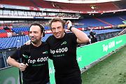 Marco Borsato trapt in e kuip in Rotterdam de Radio10 Top 4000.<br /> <br /> op de foto:  Marco Borsato en Gerard Ekdom