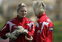 Fotball<br /> La Manga 2010<br /> 22.02.2010<br /> U23 Norge v USA 0:1<br /> Foto: Morten Olsen, Digitalsport<br /> <br /> Erika Skarbø og Reidun Seth - Norge