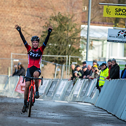 2019-12-15: Cycling: Overijse: Annemarie Worst gains a solowin in Overijse
