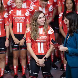 10-12-2019: Wielrennen: Teampresentatie Sunweb: Amsterdam: Alison Jackson