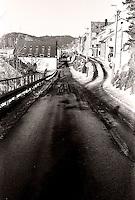 Snø i Sorenskriver Bulls gate bak Akslafjellet i Ålesund.<br /> Foto: Svein Ove Ekornesvåg