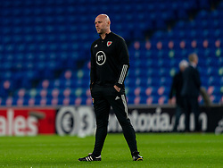 CARDIFF, WALES - Wednesday, November 18, 2020: Wales' manager Ryan Giggs during the pre-match warm-up before the UEFA Nations League Group Stage League B Group 4 match between Wales and Finland at the Cardiff City Stadium. Wales won 3-1 and finished top of Group 4, winning promotion to League A. (Pic by David Rawcliffe/Propaganda)