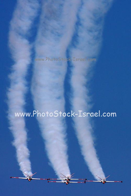 4 Israeli Air force Fouga Magister CM-170 in aerobatics display