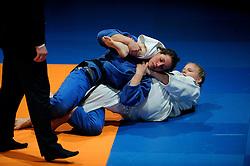 14-11-2009 JUDO: NK JUDO DAMES: ROTTERDAM <br /> Macha Matheeuwissen (bl) en Margot Wetzer (-70 kg)<br /> ©2009-WWW.FOTOHOOGENDOORN.NL