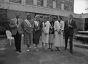 Roses of Tralee at Guinness Brewery..1986.20.08.1986..08.20.1986..20th August 1986..As part of the 50th running of the Rose Of Tralee Festival the thirty Rose contestants were invited to The Guinness Brewery,St James's Gate,Dublin. At the reception in their honour, Mr Pat Healy,Sales Director,Guinness Group Sales,welcomed the roses at the Guinness Reception Centre..Extra: Ms Noreen Cassidy,representing Leeds,went on to win the title of 'Rose Of Tralee'...Picture shows Roses,Liz Keane,Tralee Elaine Murphy,Limerick,Louise Wittel,Waterford,Clare Thompson,Kerry and Liz Fenton Cork at the Guinness reception.