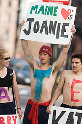 fans line the race course and cheer for Joan Samuelson