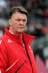 20.02.2010, EasyCredit Stadion, Nürnberg, GER, 1. FBL, 1. FC Nuernberg vs FC Bayern Muenchen, Saison 09 10, im Bild Trainer Louis van Gaal (Bayern). EXPA Pictures © 2010 for Austria, Italy and GBR only, Photographer EXPA / NPH / Becher / for Slovenia SPORTIDA PHOTO AGENCY.