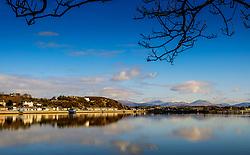 Looking across the bay from Pwllheli towards the Snowdonia National Park, North Wales<br /> <br /> (c) Andrew Wilson   Edinburgh Elite media
