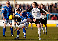 Photo: Leigh Quinnell.<br /> Chesterfield v Southend United. Coca Cola League 1. 18/02/2006. Southends Freddy Eastwood battles with Chesterfields Phil Picken.