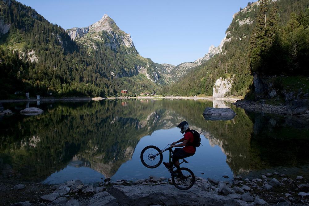 Rider: Ben Walker Location: Lac Taney (Switzerland)