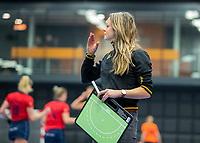 ROTTERDAM  - NK Zaalhockey,   halve finale dames Laren-Den Bosch. Laren wint. Den Bosch coach Karin den Ouden.    COPYRIGHT KOEN SUYK