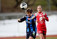 Fotball<br /> Toppserien<br /> Nadderud Stadion 05.04.10<br /> Stabæk - Arna Bjørnar<br /> Lisa-Marie Woods roper mens hun header<br /> Foto: Eirik Førde