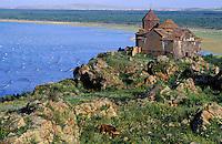 Armenie, Eglises du lac Sevan // Armenia, Sevan Lake, painter