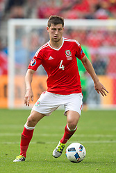 BORDEAUX, FRANCE - Saturday, June 11, 2016: Wales' Ben Davies in action against Slovakia during the UEFA Euro 2016 Championship at Stade de Bordeaux. (Pic by Paul Greenwood/Propaganda)