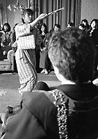 Minako Fukumura preforming a Traditional Japanese Dance(Buyo) for the Lord Mayor of Dublin Bertie Ahern in the Mansion House, Dublin, 02/03/1987 (Part of the Independent Newspapers Ireland/NLI Collection).