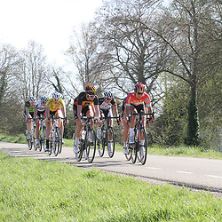 19-04-2015: Wielrennen: Ronde van Gelderland vrouwen: Apeldoorn  <br /> APELDOORN (NED) wielrennen De vijftigste ronde van Apeldoorn werd verreden onder te mooie weersomstandigheden. In het Ordenbos eindigde de wedstrijd in een massasprint.