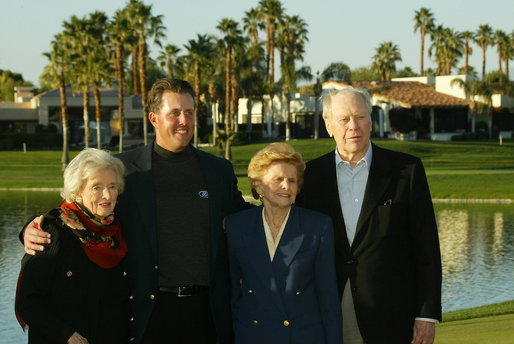 L-R:.Dolores Hope.Phil Mickelson.Betty Ford.Gerald R. Ford..2004 Bob Hope Chrysler Classic.Fifth Round.Palmer Course at PGA West.Sunday, January 25 2004..Photograph by Darren Carroll