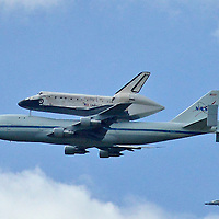Shuttle Discovery arriving Dulles Airport, Washington DC
