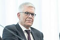 14 JUN 2018, BERLIN/GERMANY:<br /> Dr. Thomas Bellut, Intendant ZDF, Pressekonferenz zur Reform des Telemedienauftrags der oeffentlich-rechtlichen Rundfunkanstalten, Landesvertretung Rheinland.-Pfalz<br /> IMAGE: 20180614-01-048