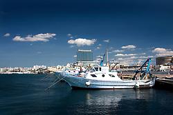 Paranze ormeggiate nel porto Mercantile di Gallipoli (LE)