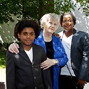 NLD/Amsterdam/20100603 - Huwelijk voetbaltrainer Frank Rijkaard en voormalig kindermeisje Stefanie Rucker, kinderen en familieleden